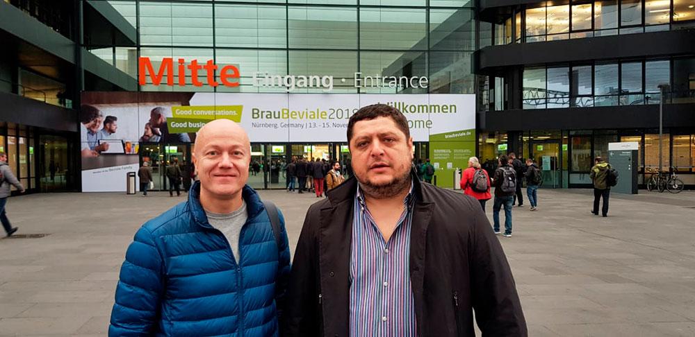 Константин Боксер (бренд амбассадор пивоварни Pivot Point) и Сергей Доценко (учредитель пивоварни Pivot Point)